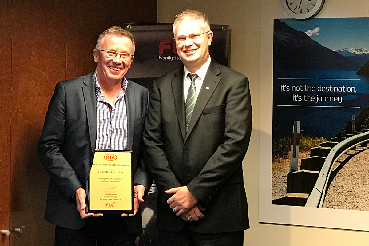 Brendan Foot Supersite Our Service Team Wins Kia Award