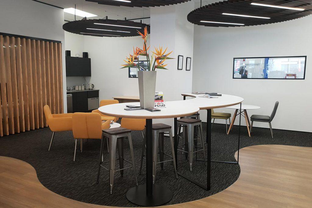 Customer Lounges Brendan Foot Supersite