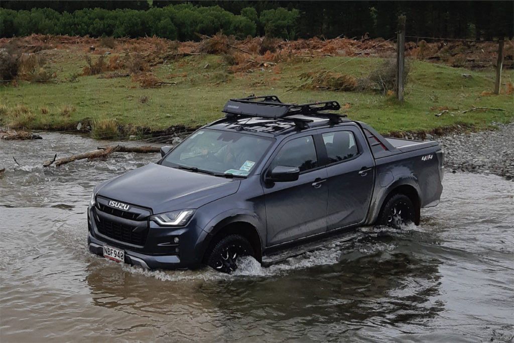 Off-roading in the all new D-Max Brendan Foot Supersite